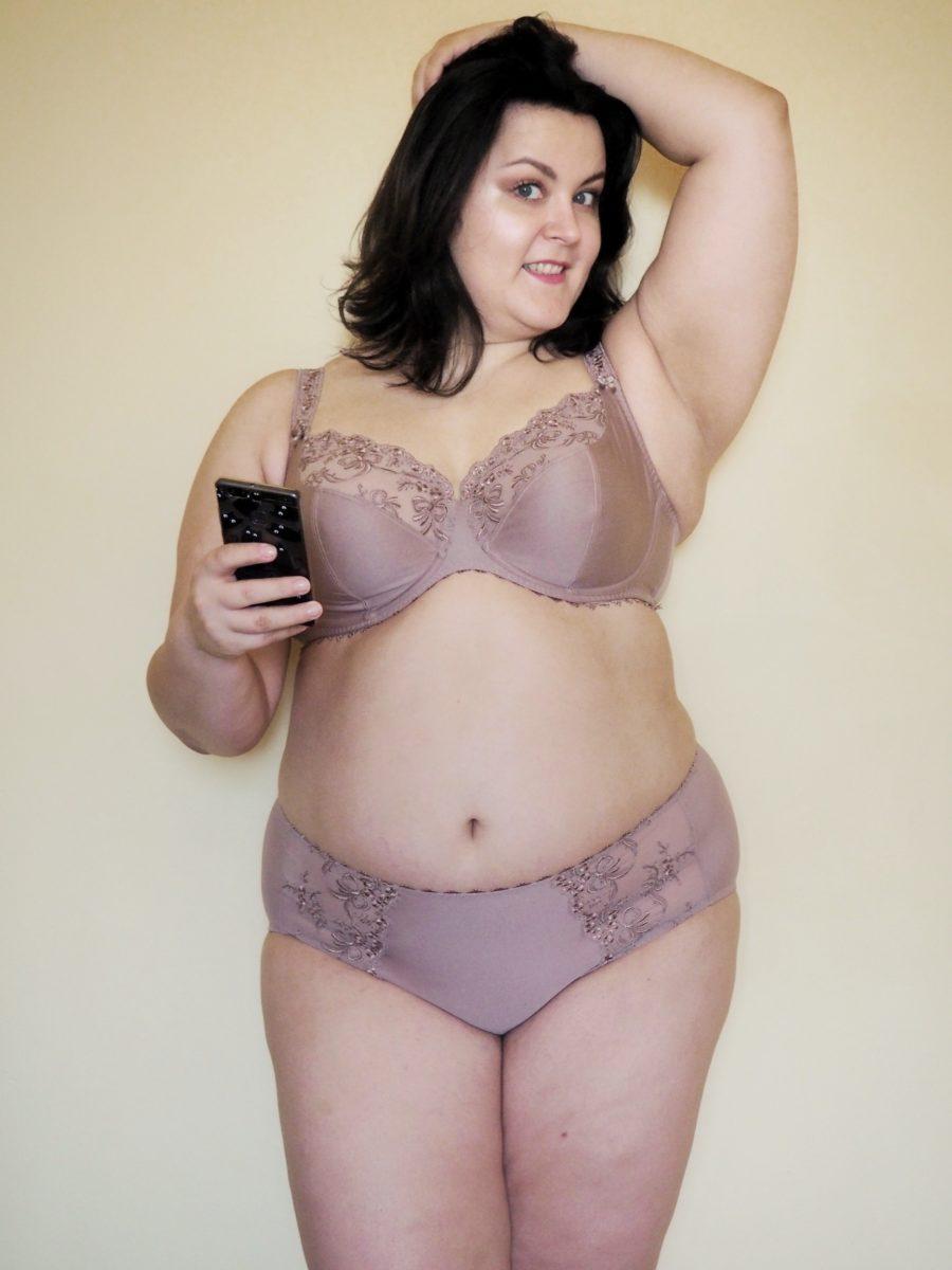 plus size pozytywna bielizna - Scarlett Rosa Faia